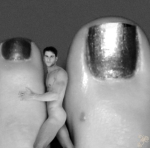 Could he pass for an extra toe? Probably not.